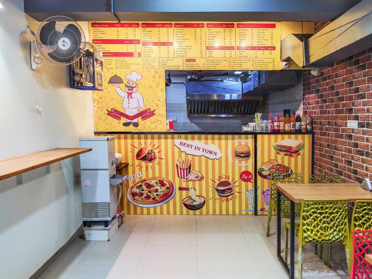 Karnavati Dabeli & Vadapav Shop Design at Sargasan Gandhinagar